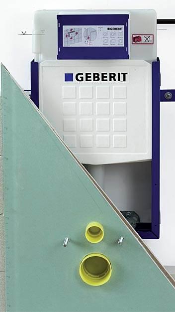 fot. 13 Montaż płyty kartonowo-gipsowej