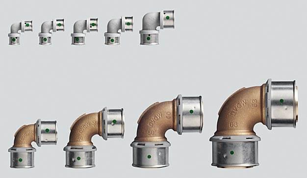 Złączki Pexfit Pro o wymiarach od 14 do 25 mm są wykonane z bardzo wytrzymałego tworzywa PPSU, natomiast przy wymiarach od 32 do 63 mm są one wykonane z równie wytrzymałego brązu. (Zdjęcie: Viega)