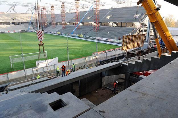 system zaprasowywany sanpress na stadionie legii warszawa - System zaprasowywany Sanpress na Stadionie Legii Warszawa