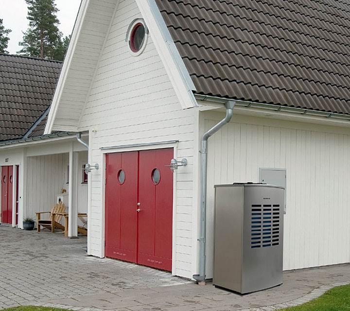 Fot. 1. Pompa ciepła powietrze - woda Logatherm WPL 15 marki Buderus pozwala na dowolną kofigurację instalacji wewnętrznej i możliwość współpracy z dowolnym źródłem ciepła.