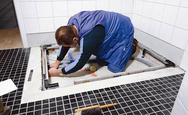 jak latwo i szybko zamontowac powierzchnie prysznicowa 1 - Jak łatwo i szybko zamontować powierzchnię prysznicową?