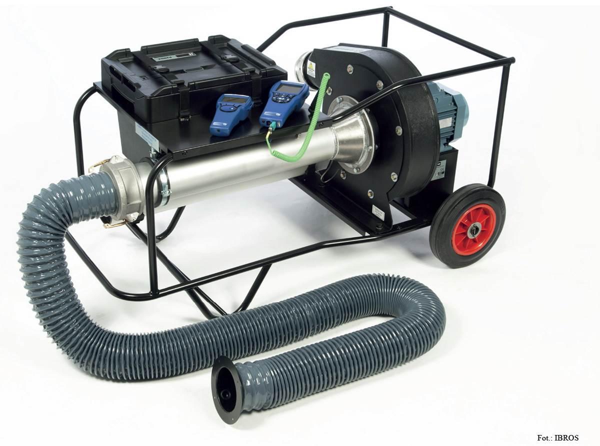 FOT. 3. Na rynku oferowane są testery dwukierunkowe, gdzie badanie odbywa się pod kątem ilościowej straty powietrza wynikającej z nieszczelnego wykonania kanałów wentylacyjnych.