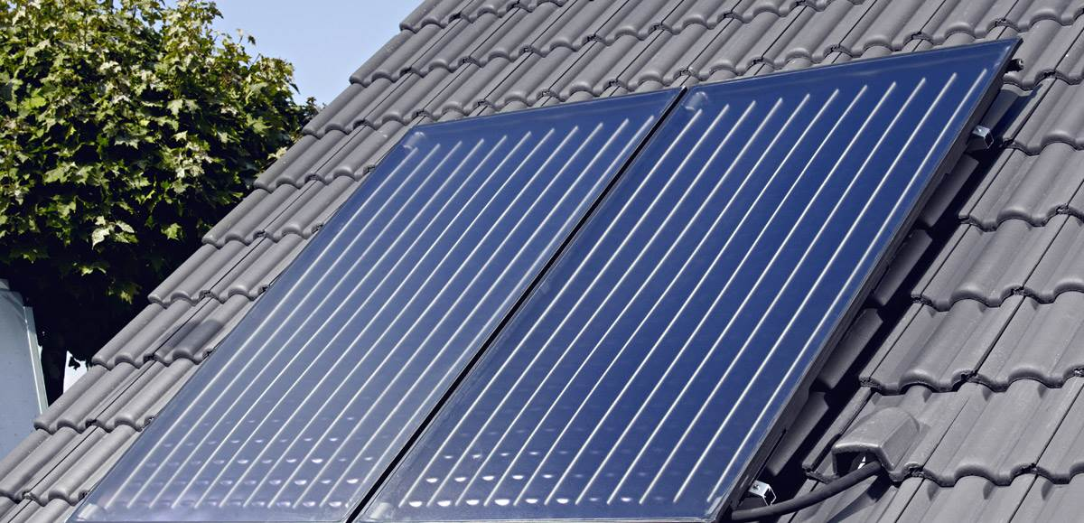 FOT. 3. Producenci kolektorów w karcie charakterystyki podają optymalny przepływ płynu solarnego przez kolektor. Ma to zasadniczy wpływ na optymalną produkcję energii cieplnej. Fot.: Junkers
