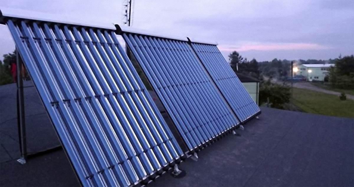 FOT. 4. Istotnym parametrem przy regulacji systemu jest prawidłowe ustalenie temperatur granicznych pracy obiegu solarnego w taki sposób, by zmaksymalizować uzysk ciepła z instalacji kolektorów słonecznych. Fot.: Caldoris