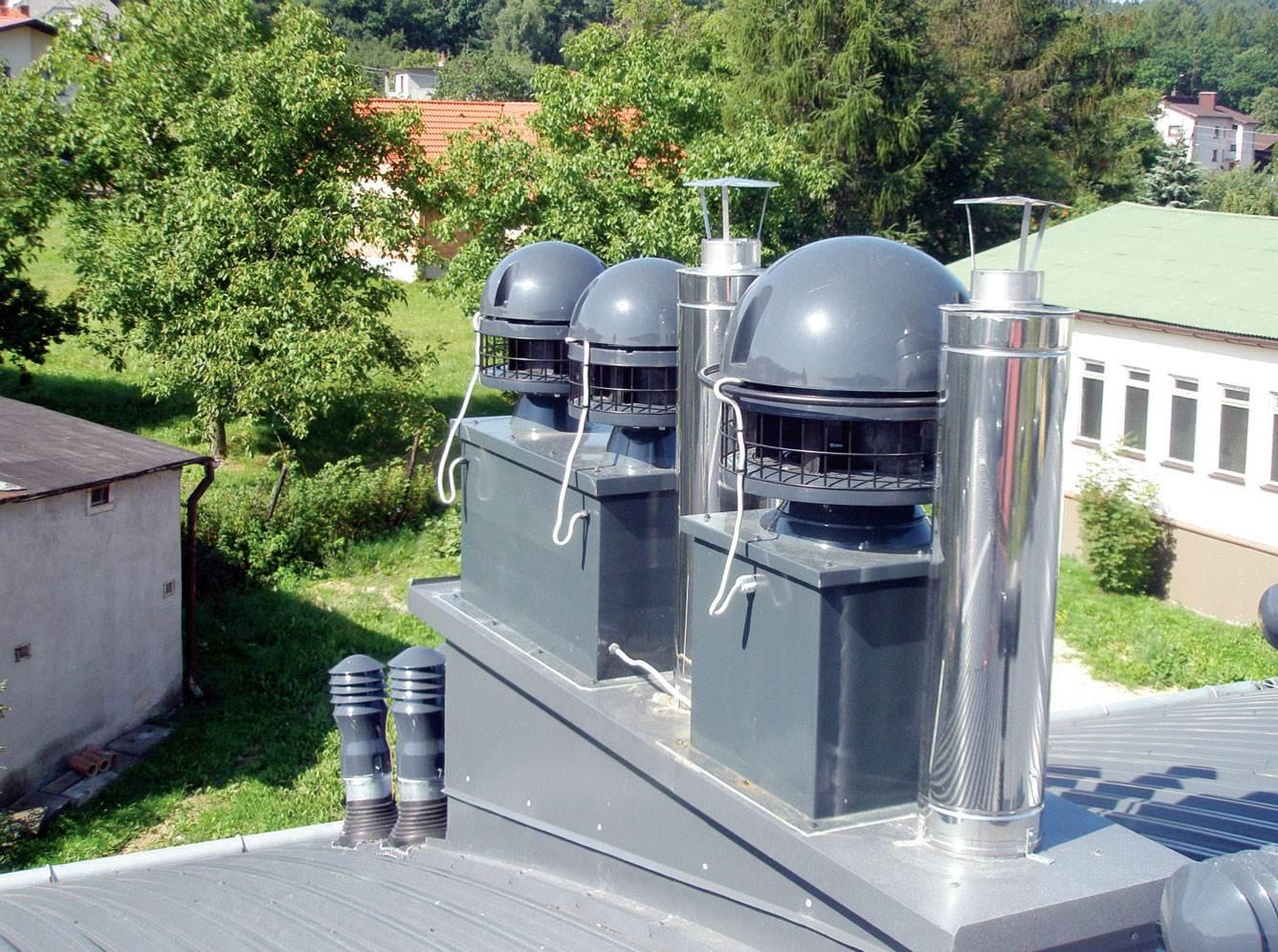 Fot. 1. Należy pamiętać o przeglądzie nasad kominowych. Fot. Uniwersal