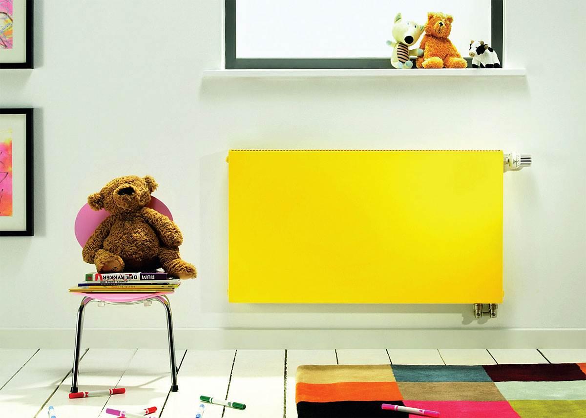 Fot. 2. Bogata kolorystyka grzejników płytowych sprawia, że stają się one praktyczną ozdobą pokoju. Fot. Purmo