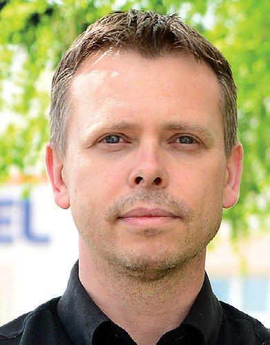 Piotr Sosnowski, Specjalista ds. marketingu i rozwoju produktów