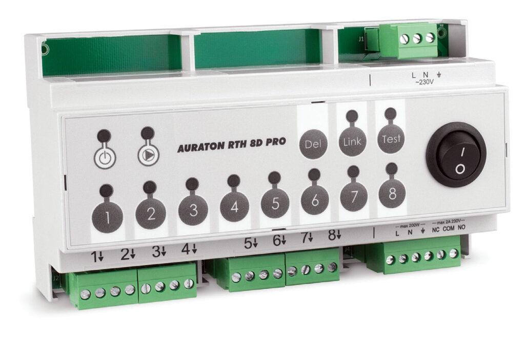 Fot. 2. Bezprzewodowa listwa sterująca siłownikami ogrzewania podłogowego przeznaczona do montażu w skrzynkach elektrycznych. AURATON RTH 8D PRO współpracuje z bezprzewodowymi regulatorami temperatury. Umożliwia jednoczesne sterowanie pracą pompy centralnego ogrzewania oraz urządzeniem grzewczym. Fot. LARS
