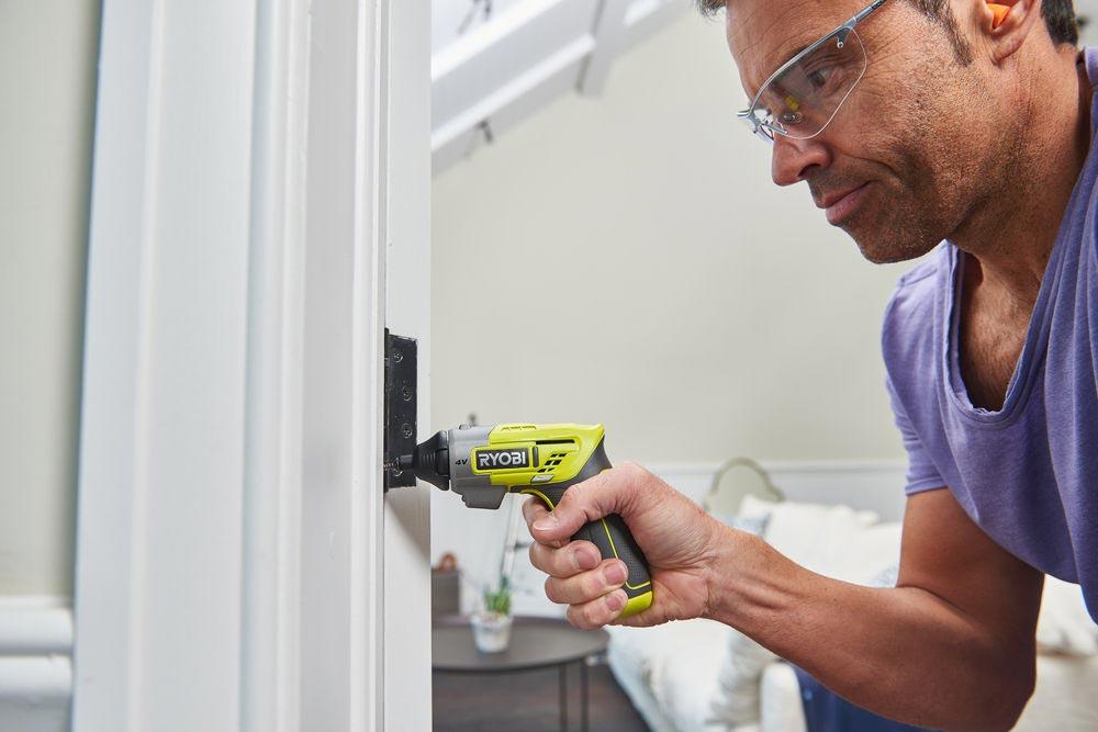 wkretak akumulatorowy ergo a2 4v od ryobi2 - Wkrętak akumulatorowy Ryobi® ERGO-A2 4V - narzędzie, które musisz mieć w swoim domu