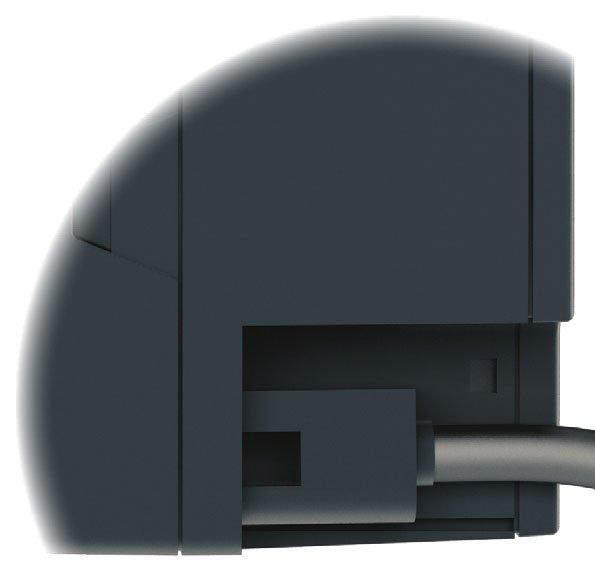 Fot. 6. Kabel elektryczny z odpinaną wtyczką. Obrotowe zawory mieszające.