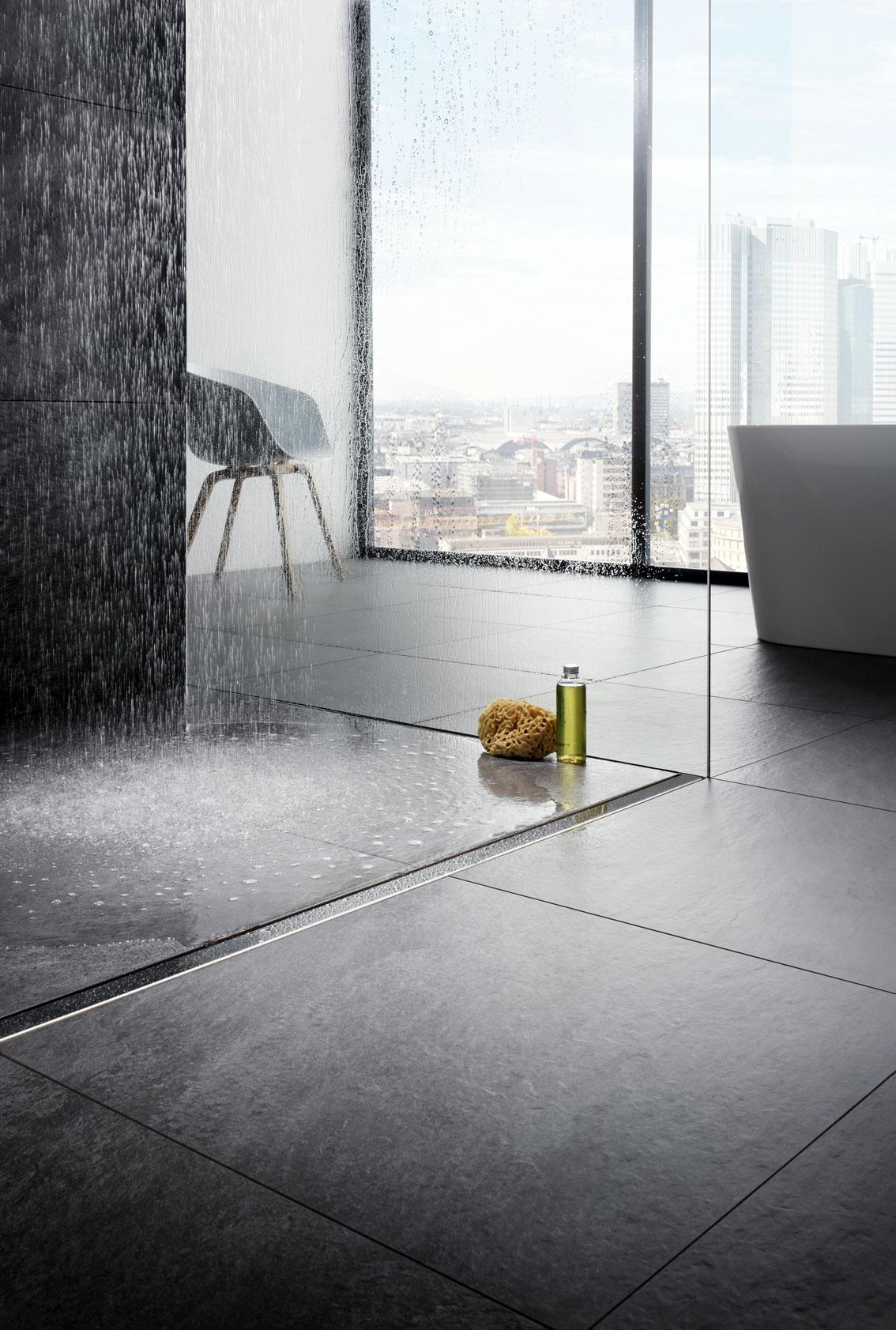 Prysznice bez brodzika z odpływami liniowymi to obecnie jeden z najważniejszych trendów łazienkowych - Viega Advantix