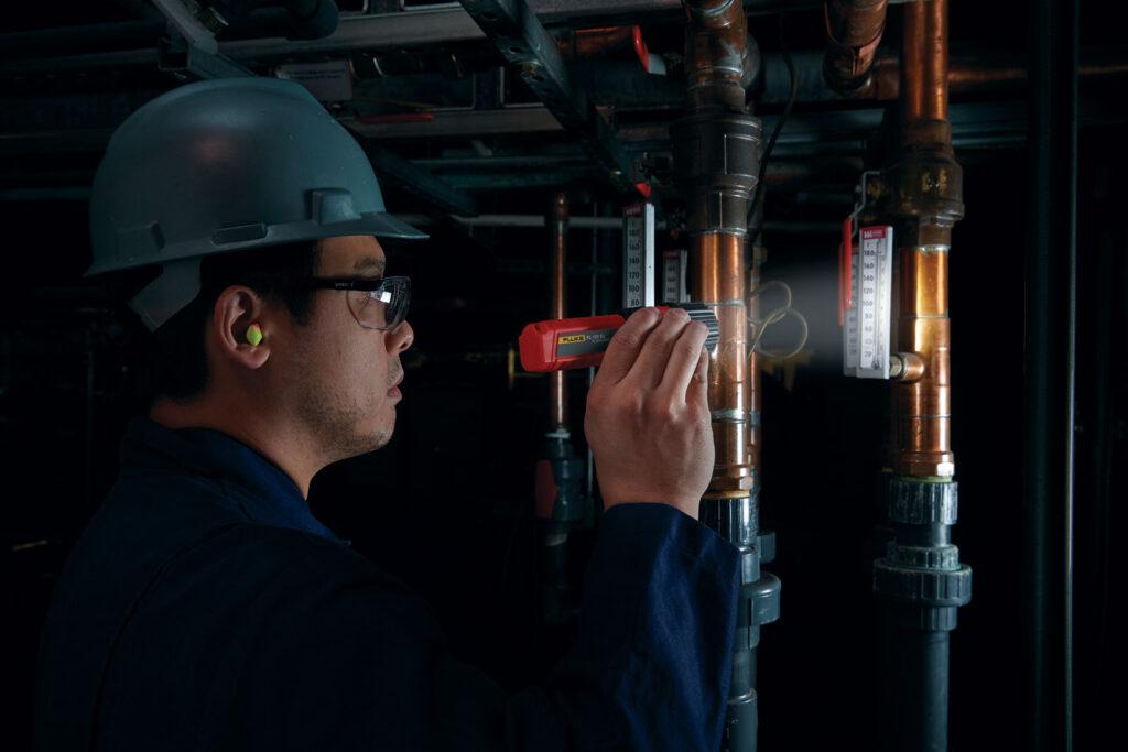 iskrobezpieczne latarki dla instalatorow nowa linia produktow od fluke1 1024x683 - Iskrobezpieczne latarki dla instalatorów - nowa linia produktów od Fluke