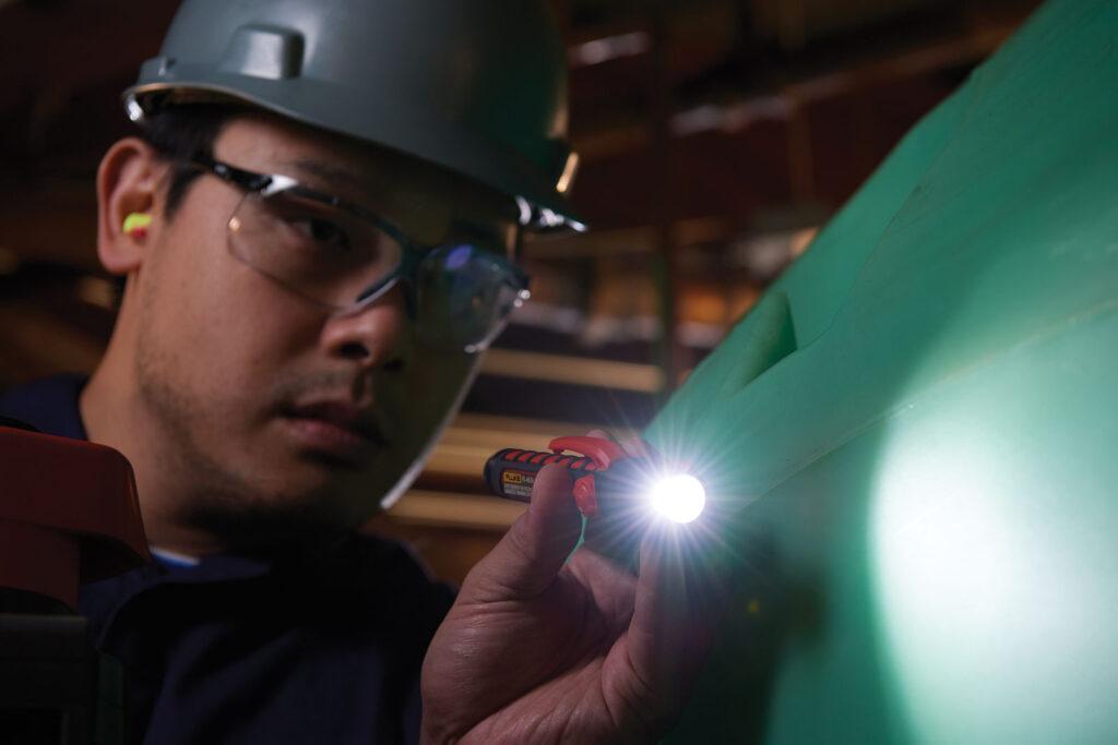 iskrobezpieczne latarki dla instalatorow nowa linia produktow od fluke6 1024x683 - Iskrobezpieczne latarki dla instalatorów - nowa linia produktów od Fluke