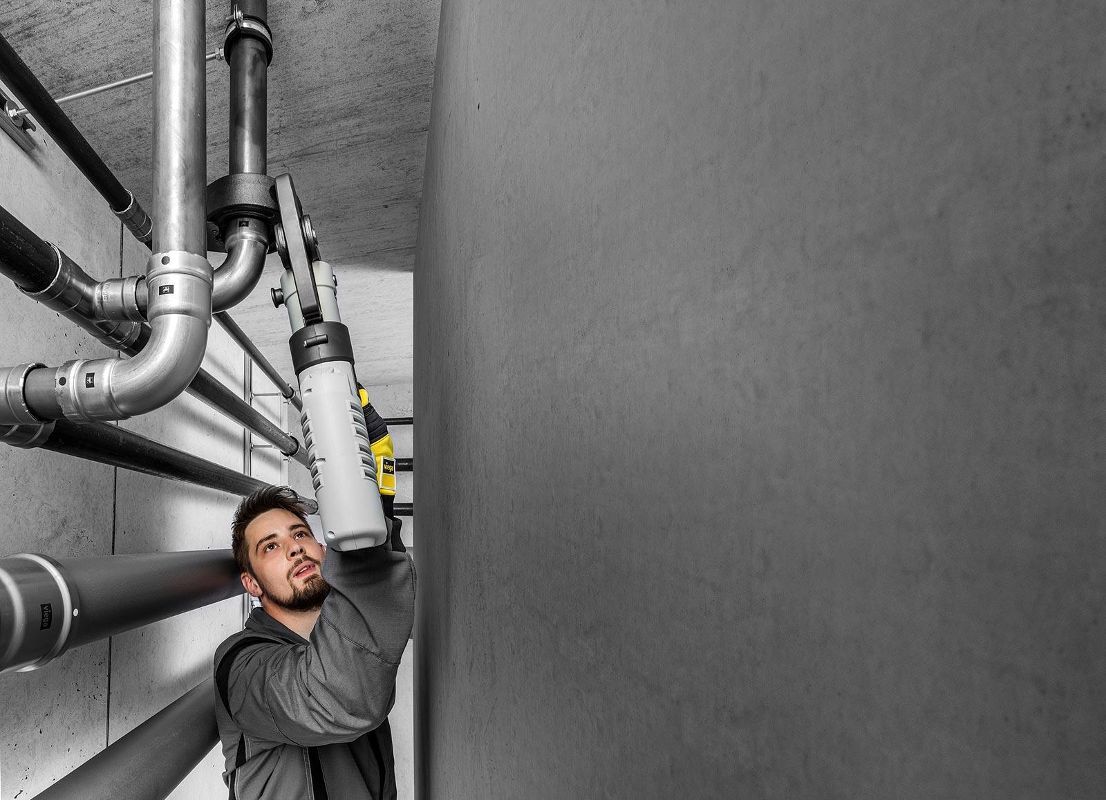 Ergonomiczne zaciskarki Pressgun doskonale sprawdzają się podczas pracy w wąskich kanałach instalacyjnych i podczas wykonywania połączeń ponad głową.