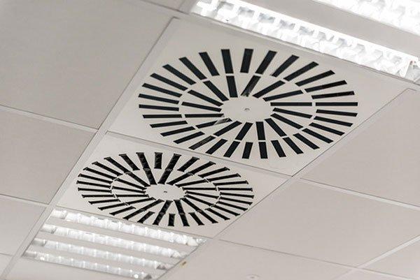 Odgrzybianie klimatyzacji w biurze i domu