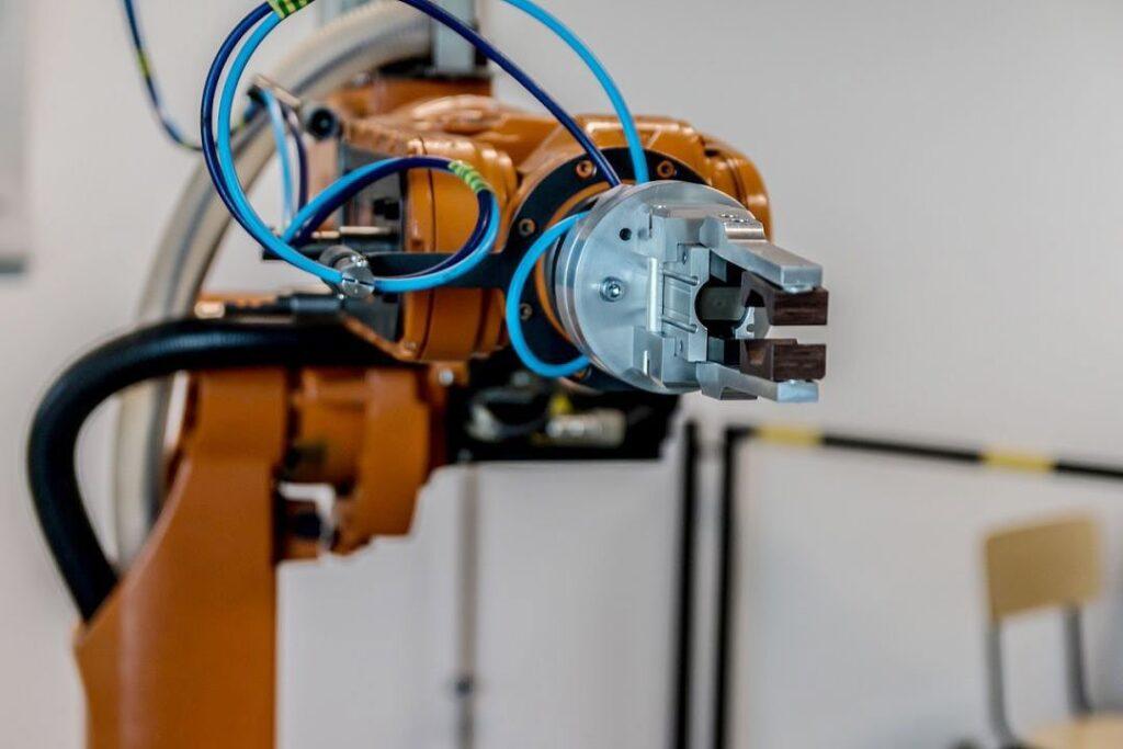 Automatyka przemysłowa – wszystko, co warto o niej wiedzieć