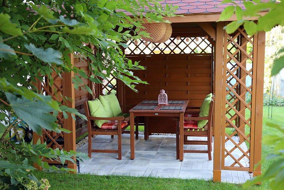 altana drewniana ewa1 - Drewniana altana w ogródku? Sprawdźmy jak się przygotować.