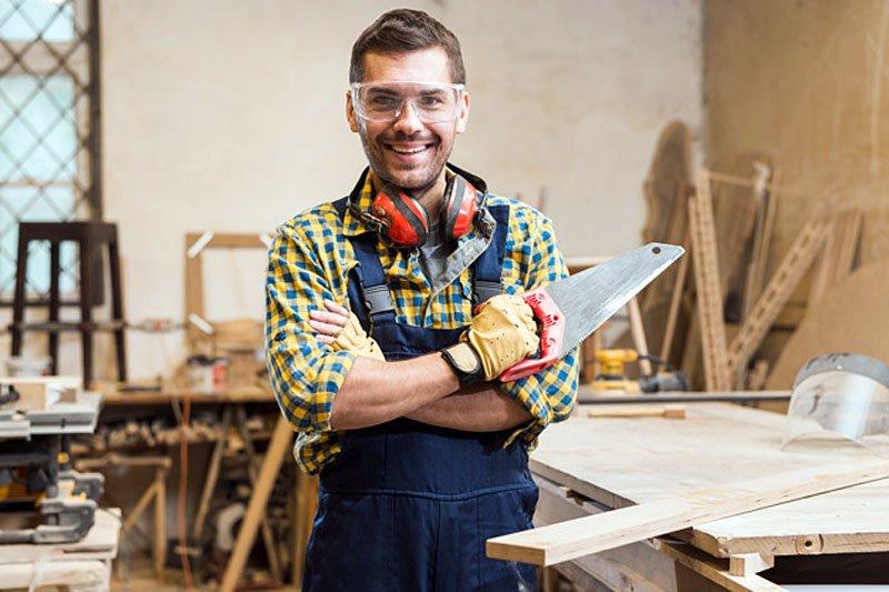 czy krotkie spodenki moga stanowic odziez robocza - Czy krótkie spodenki mogą stanowić odzież roboczą?