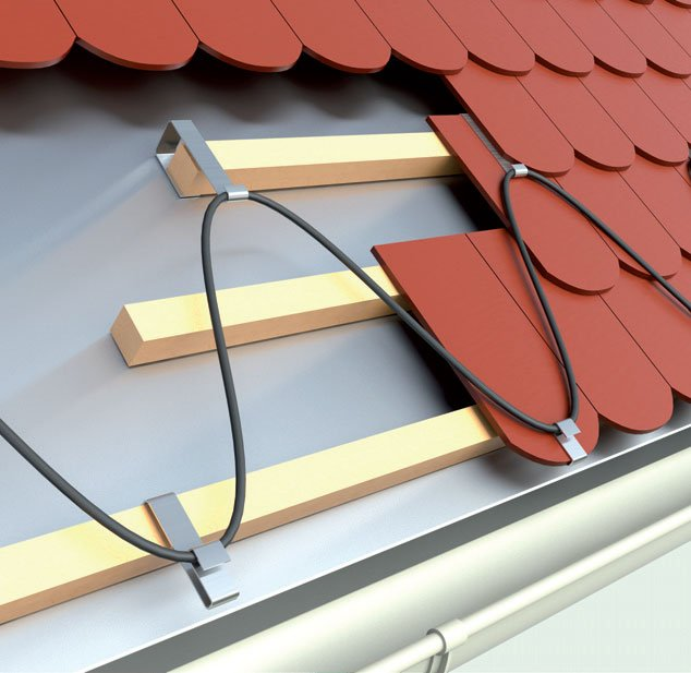 Fot. 1. Przykład ogrzewania krawędzi dachu.