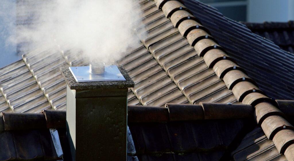 komin odporny na emisje trujacych spalin – jakie wymagania musi spelniac 1024x560 - Komin odporny na emisję trujących spalin – jakie wymagania musi spełniać?