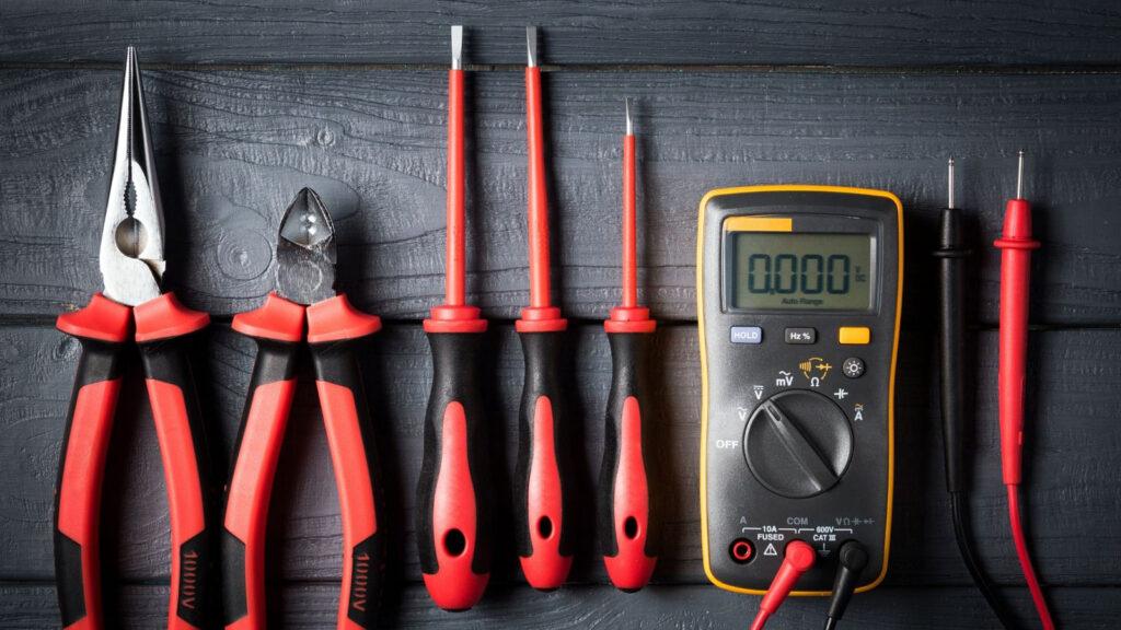 narzedzia dla elektrykow postaw na najlepsza jakosc 1024x576 - Narzędzia dla elektryków – postaw na najlepszą jakość