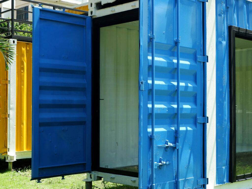 kontenery magazynowe gdzie sie przydaja1 1024x768 - Kontenery magazynowe – gdzie się przydają?